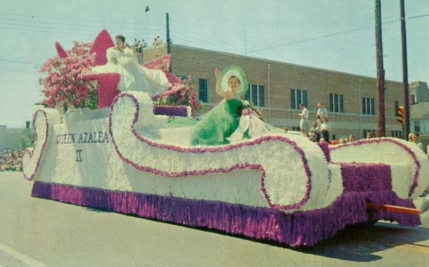 Azaela Queen Float