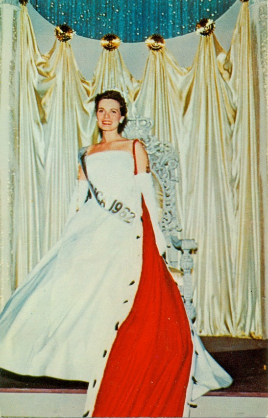Miss America pose